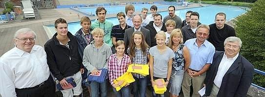 Der SV 13 ehrte jetzt sein erfolgreichen Schwimmer und Wasserballer. Foto: Dirk Bauer